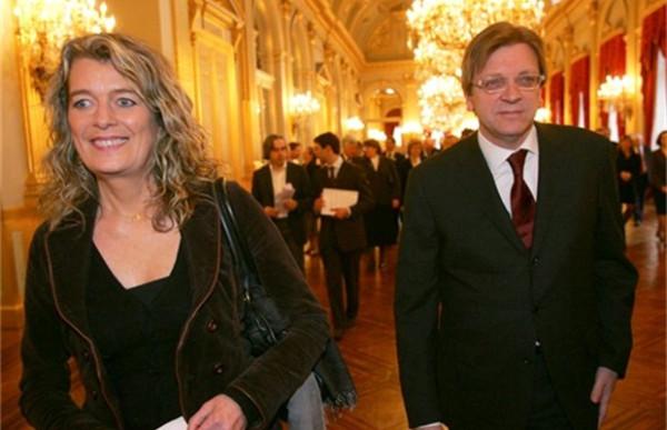 Veertig jaar geleden: Dominique Verkinderen promoveert met studie over het Van Crombrugghe's Genootschap
