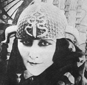 Stacia Napierkowska als Antinea