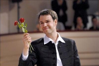 """Tien jaar geleden: Szabolcs Brickner wint het """"Eurovisiesongfestival voor gevorderden"""""""