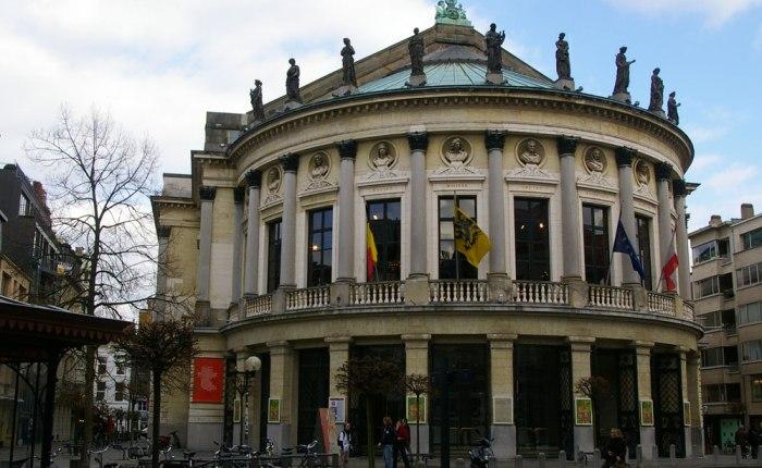 185 jaar geleden: opening Bourlaschouwburg (Antwerpen)