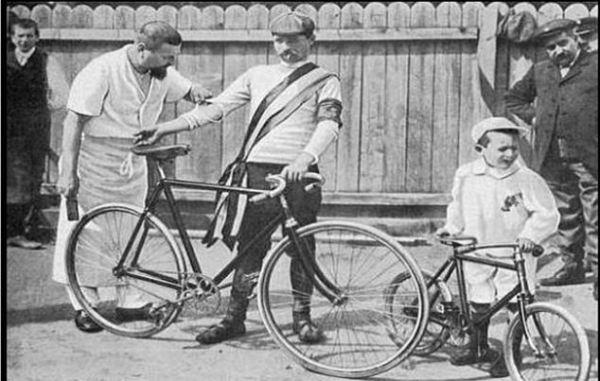 96 maurice garin met verzorger en zoontje in 1903