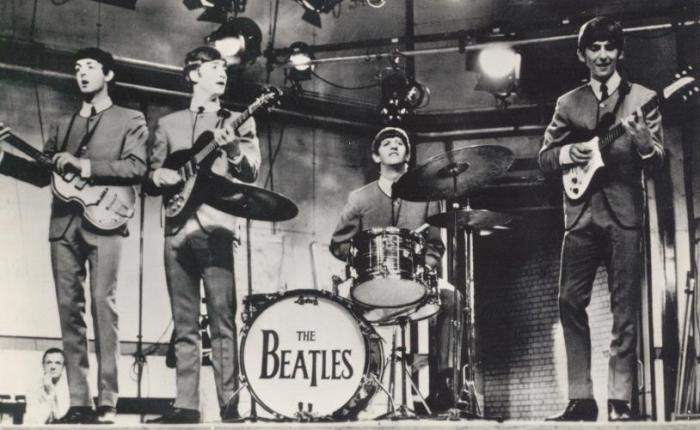 De fameuze kraagloze Beatle-jasjes…