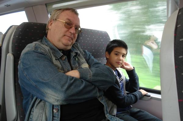 33 met michael op de trein naar Antwerpen
