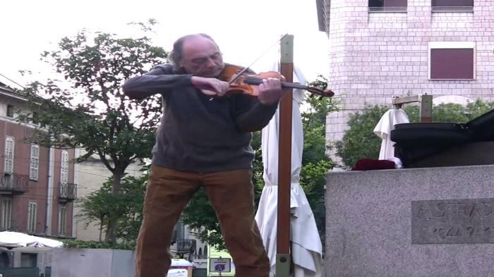 Mikhail Bezverkhny en deSint-Annakerk