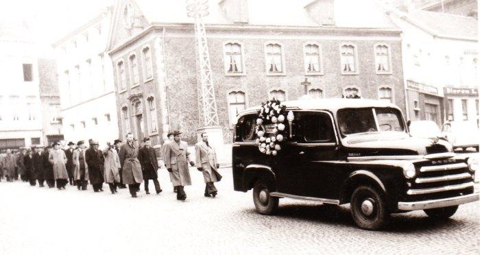 66 begrafenis peter louis