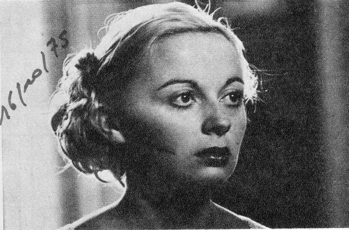 17 Marleen Maes als Agnes