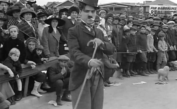 """Honderd jaar geleden: """"Kid autoraces in Venice"""" van CharlesChaplin"""