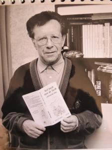 Jack De Graef centraal met boekje