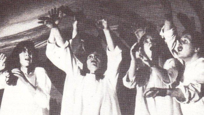 Het heilige theater der jaren zestig: duizend gezichten, maar nauwelijks eengelaat