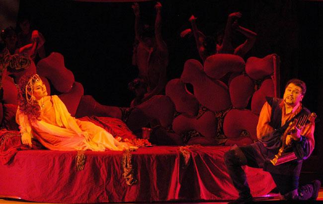 Dertig jaar geleden: Katalin Szendrényi wint de opera-en belcantowedstrijd van deBRT
