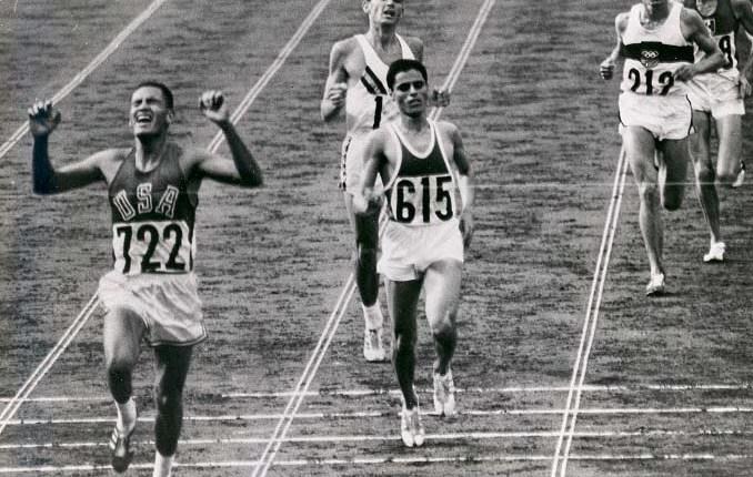 55 jaar geleden: Billy Mills wordt Olympisch kampioen op de10.000m