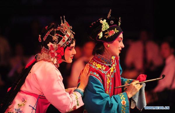 25 jaar geleden: de Opera van Peking inTerneuzen