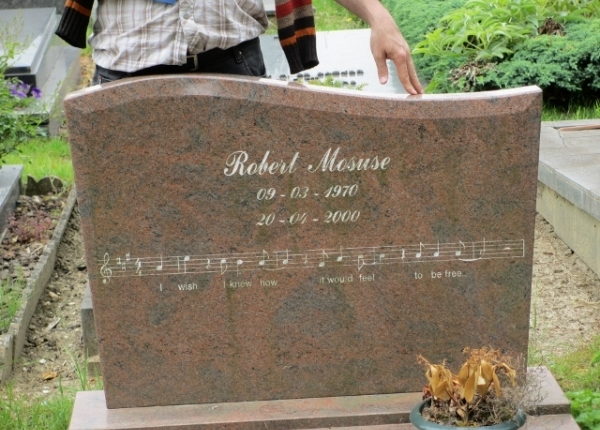Robert Mosuse (1970-2000)