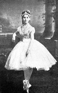 92 Giuseppina Bozzachi als Coppélia