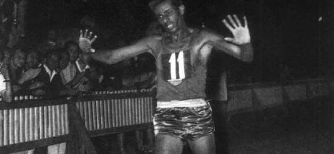 Zestig jaar geleden: Abebe Bikila wint de marathon op de O.S. vanRome