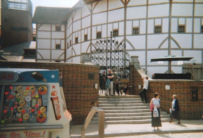 02 Globe Theatre