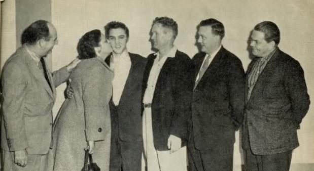 65 jaar geleden: Elvis Presley tekent bijRCA