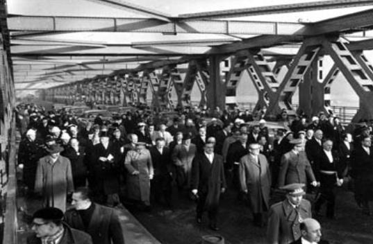 65 jaar geleden: Scheldebrug Temse-Bornem in werkinggesteld