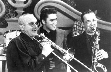 65 jaar geleden: eerste televisie-optreden vanElvis