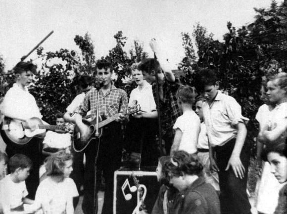 Zestig jaar geleden: ontmoeting tussen John Lennon en PaulMcCartney