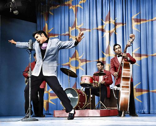 Zestig jaar geleden: Elvis Presley in The Milton BerleShow