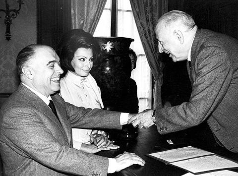Zestig jaar geleden: huwelijk Sophia Loren met CarloPonti