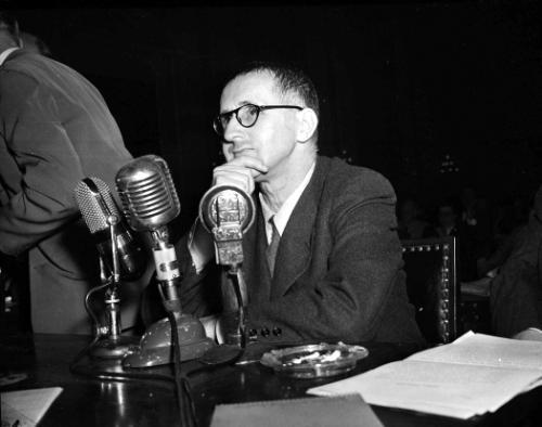 Zeventig jaar geleden: Brecht voor hetHUAC