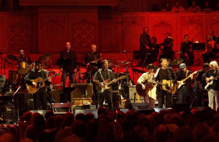 Vijftien jaar geleden: the concert for George(Harrison)