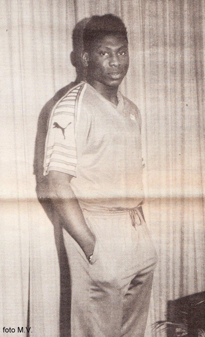 90 Daniel Amokachi
