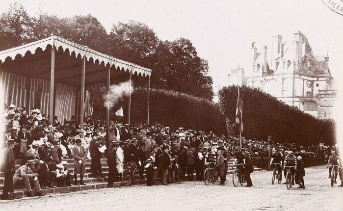150 jaar geleden: de eerstewielerwedstrijd