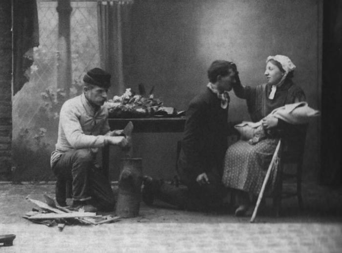 """115 jaar geleden: creatie van """"Het Gezin VanPaemel"""""""