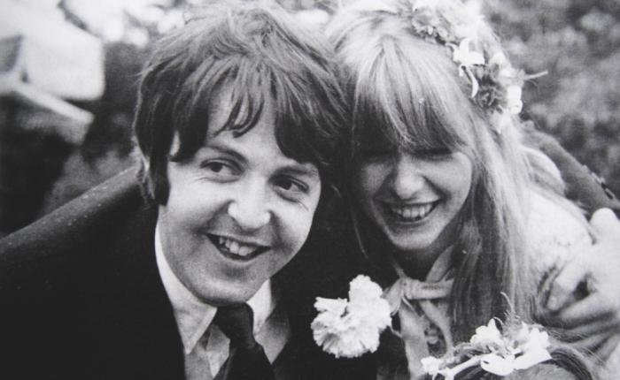 """""""Jane Asher was belangrijker voor The Beatles dan YokoOno"""""""