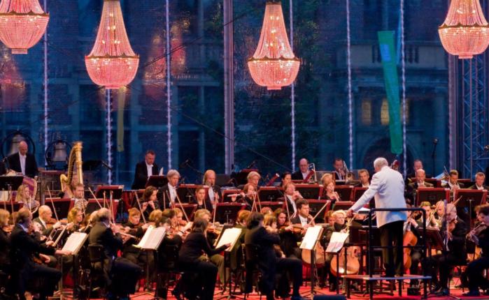 Tien jaar geleden: het Residentie-Orkest gaat de mistin
