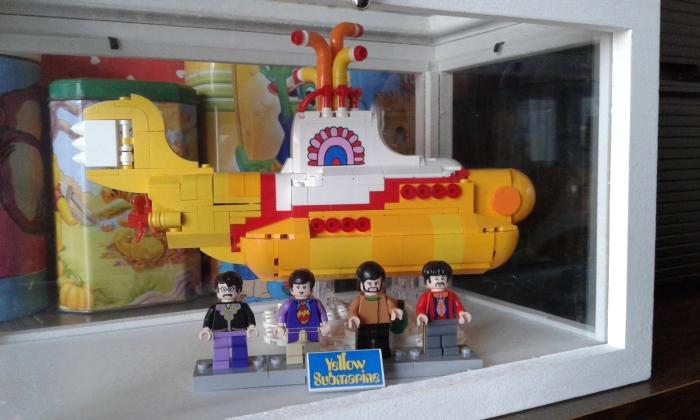 01 yellow submarine