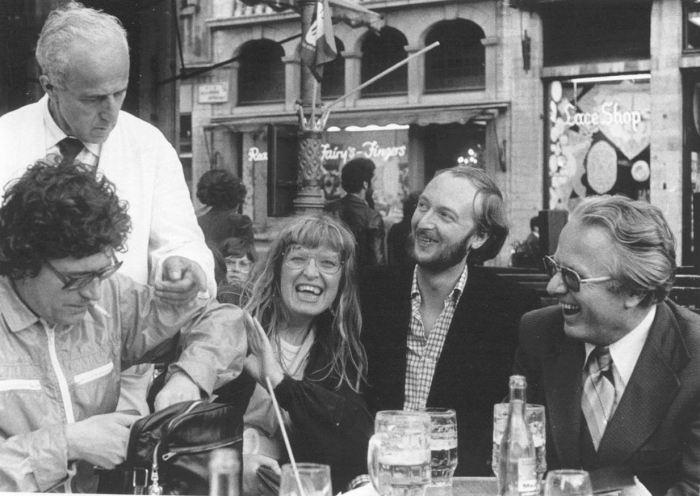 Vijftig jaar geleden: het hippiehuwelijk van Lode Willems en 'tEefje