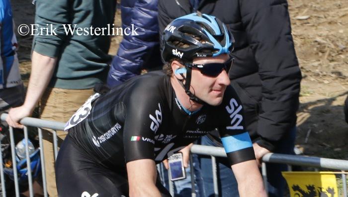 Elia Viviani wint in de Tirreno-Adriatico…