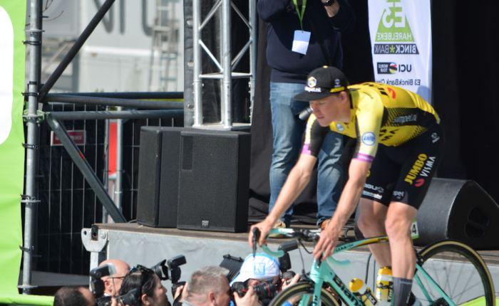 Mike Teunissen wint de openingsrit van deTour