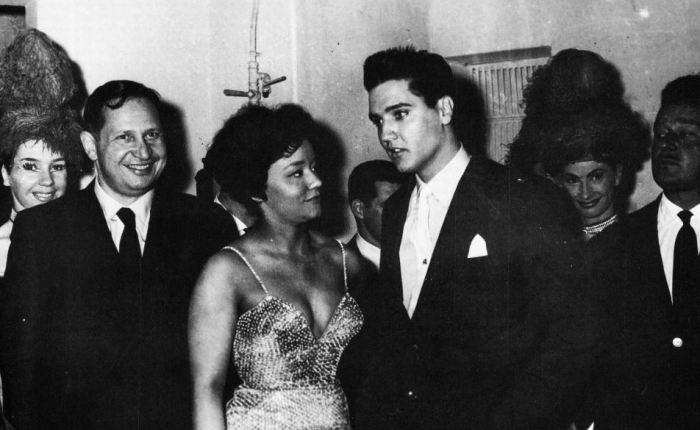 Zestig jaar geleden: Elvis inParijs