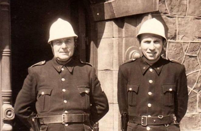 Zeventig jaar geleden: mijn vader gaat bij depolitie