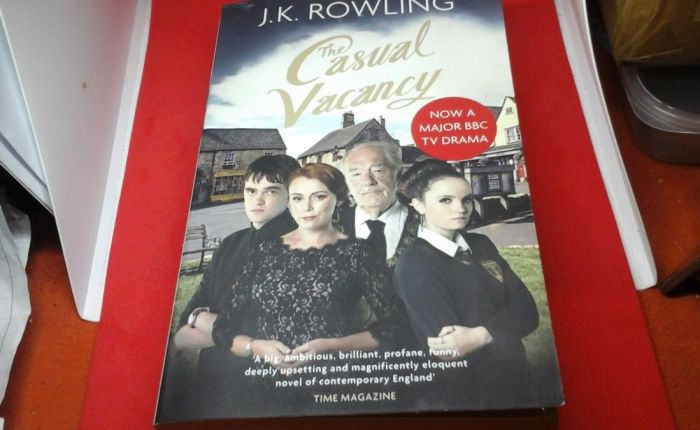"""""""The Casual Vacancy""""(J.K.Rowling)"""