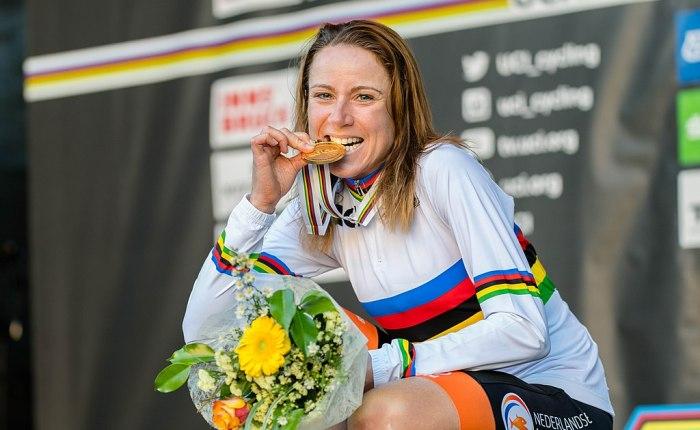 Annemiek Van Vleuten wint de StradeBianche