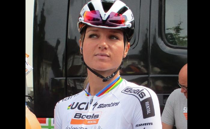 Chantal Blaak wint de Ronde vanVlaanderen