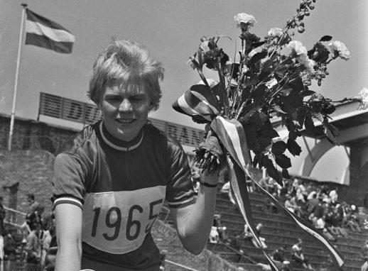 55 jaar geleden: Ineke van IJken wordt de eerste Nederlandse wielerkampioene bij dedames