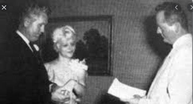 Zestig jaar geleden: Vernon Presley huwt met DeeAlliot