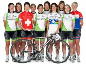 Tien jaar geleden: secretaresse als wielrenster…