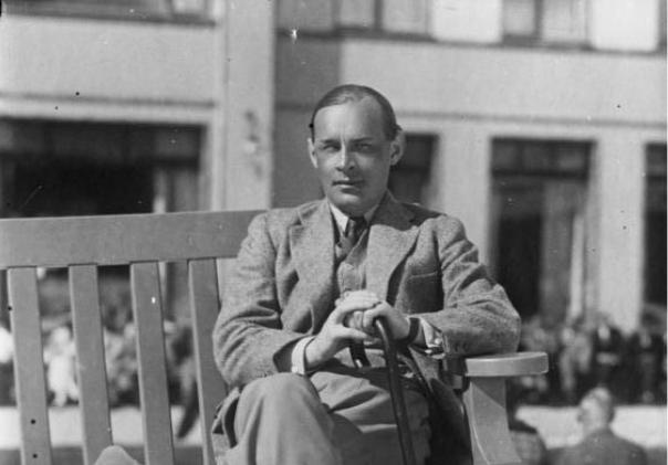 Erich Maria Remarque(1898-1970)