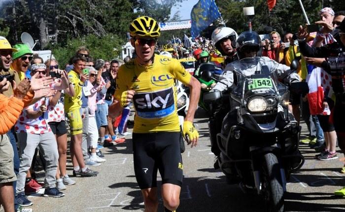 Vijf jaar geleden: Chris Froome loopt zonder fiets de Mont Ventouxop